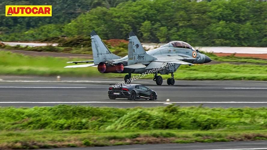 Lamborghini Huracan Performante Drag Races ... MiG-29K Jet
