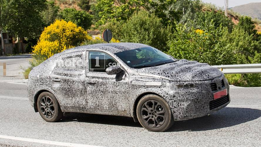 Renault Captur Coupe spied ahead of August Moscow debut
