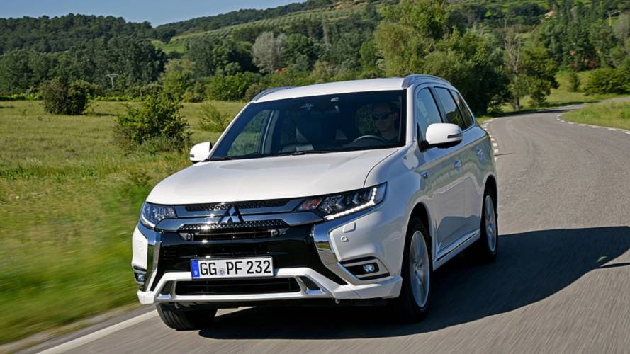 New Mitsubishi Outlander PHEV charges into the UK costing £34,255
